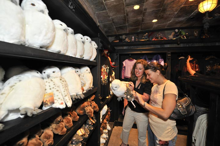 Filchs emporium of confiscated goods Universal Orlando Streams Grand Opening Event Footage of Harry Potter World Online