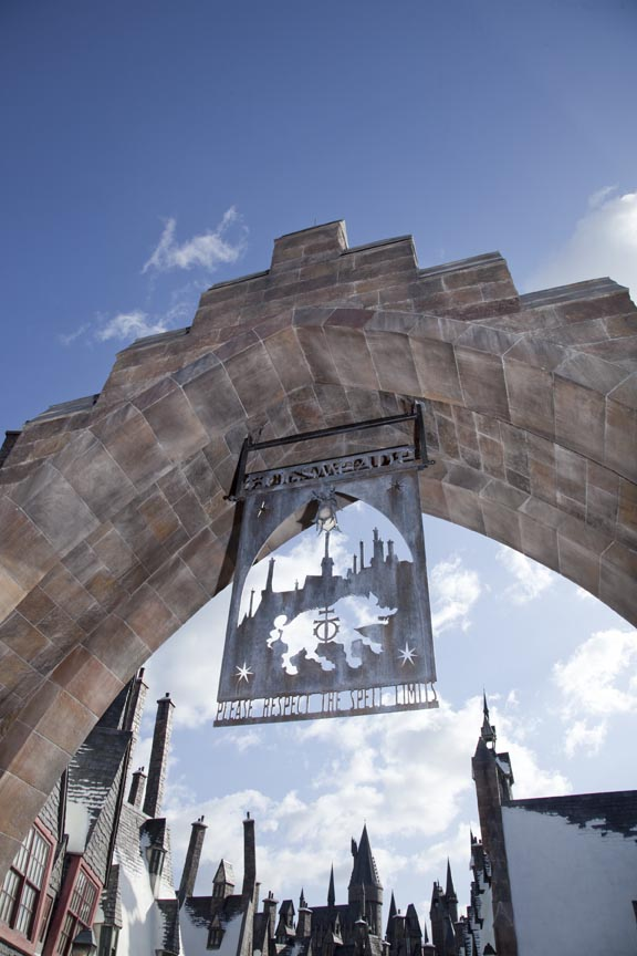hogsmeade entry Universal Orlando Streams Grand Opening Event Footage of Harry Potter World Online