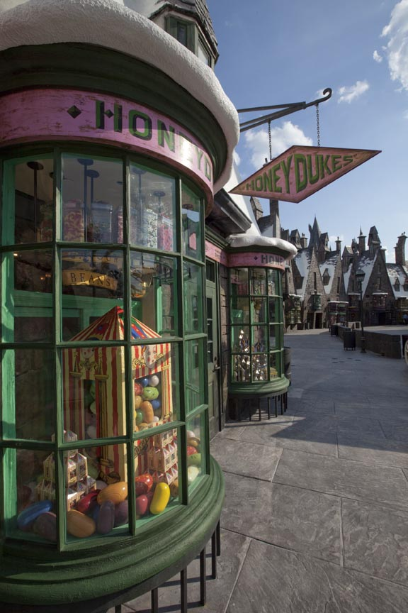 honeydukes Universal Orlando Streams Grand Opening Event Footage of Harry Potter World Online