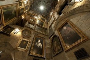 portraits on hogwarts walls 300x199 New Photos from HarryPotterland!