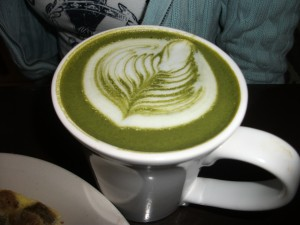 green tea latte 300x225 One Awesome Sunday – Urth Caffe, Lakers vs Clippers, San Antonio Winery