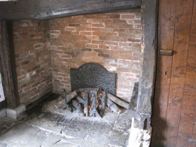 shakespeare house fireplace England Day 2 Part 2: Stratford Upon Avon and Lunch in the Cotswolds