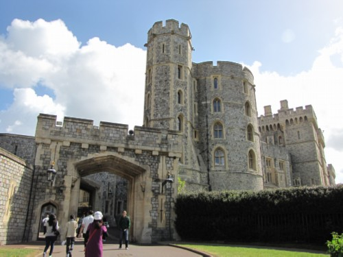 castle keep England Day 5 Part 1: Windsor Castle & a Fish & Chip Lunch