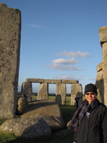 finally here England Day 6 Part 2: Stonehenge Special Access Tour and Dinner at Da Vincis