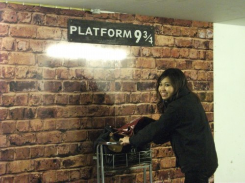 frances platform England Day 5 Part 3: King's Cross, Platform 9 and ¾ , and a Crazy Night Time Adventure