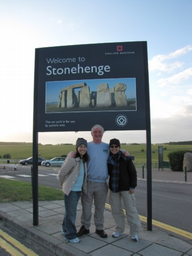 maiko pat me England Day 6 Part 2: Stonehenge Special Access Tour and Dinner at Da Vincis