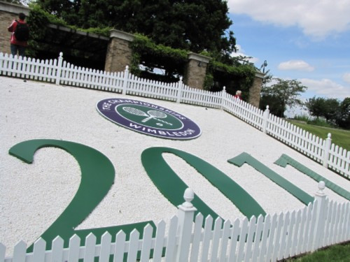 mound sign England Day 9: Wimbledon