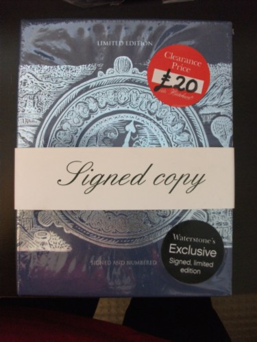 phillip pullman signed copy England Day 4 Part 1: Piccadilly Street, London
