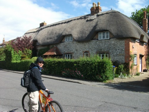 thatched roof1 England Day 8 Part 1: Ten Mile Bike Ride from Salisbury to Amesbury