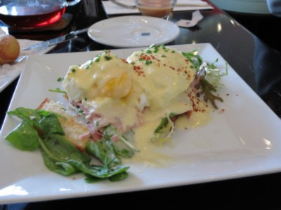 eggs benedict m LA Tour Day 2: Silver Lake/ Echo Park /Fashion District