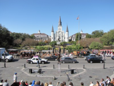 french quarter plaza New Orleans, Louisiana Part 1   French Quarter Adventures & 3 Beignets in One Day!