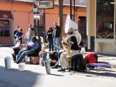 street musicians New Orleans, Louisiana Part 1   French Quarter Adventures & 3 Beignets in One Day!