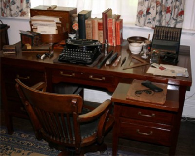 george bernard shaw desk Famous Writers Desks  And What Does Your Desk Look Like?