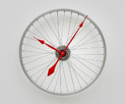 3 - bike wheel clock