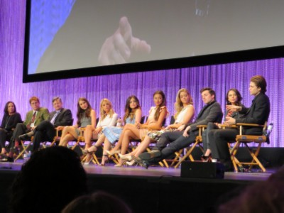 castand producers complete 2 Paleyfest: Pretty Little Liars